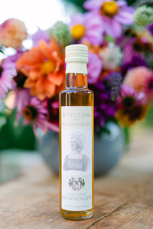 Apple cider vinegar with elderflower