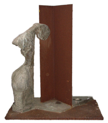 Gietsteen en plaatstaal Hoogte 40 cm  Verkocht