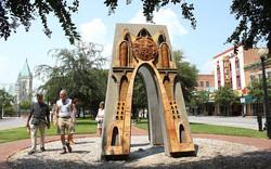 arch on Palafox