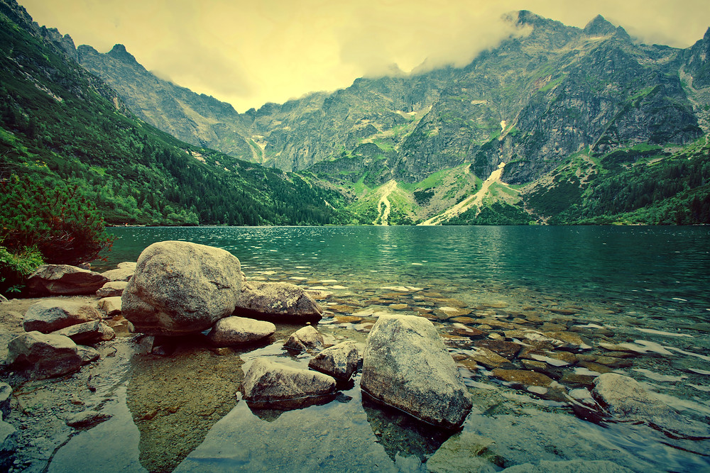 "<a href=""https://www.freepik.com/free-photo/lake-in-mountains_1286246.htm"">Designed by Freepik</a>"