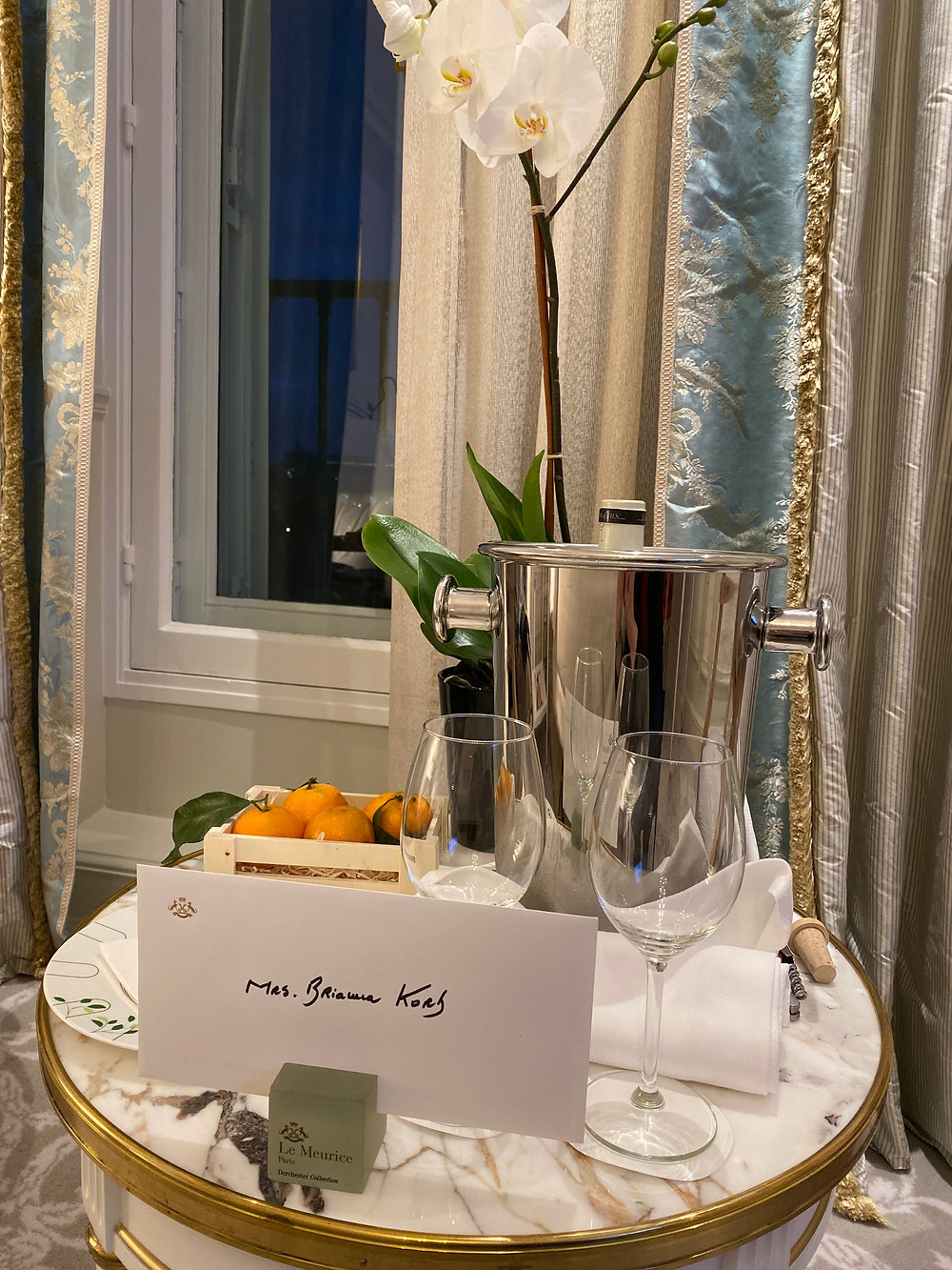 Welcome note and wine from the hotel.
