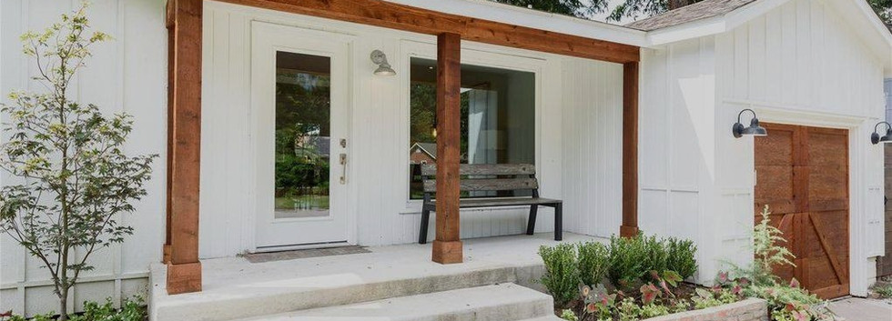 house_flip_white_interior_designers