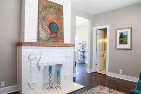 white_fireplace_918_interiors