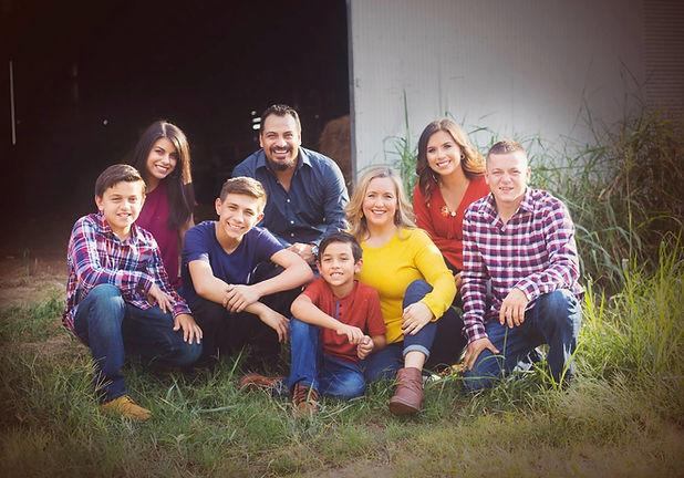 AdvantEdge_stone_family_picture_Edmond_o