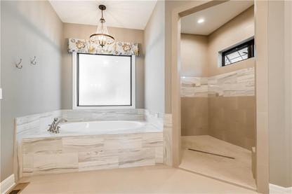 7 Master Bath 1.jpg