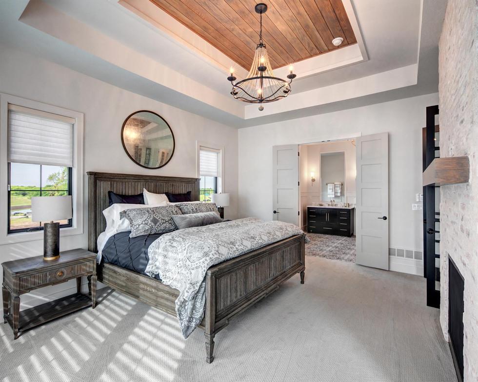 9b Master Bedroom (1).jpg