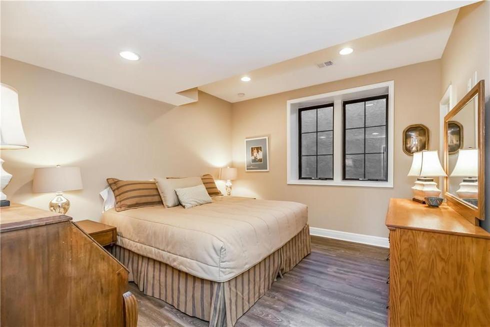 11 Guest Bed.jpg