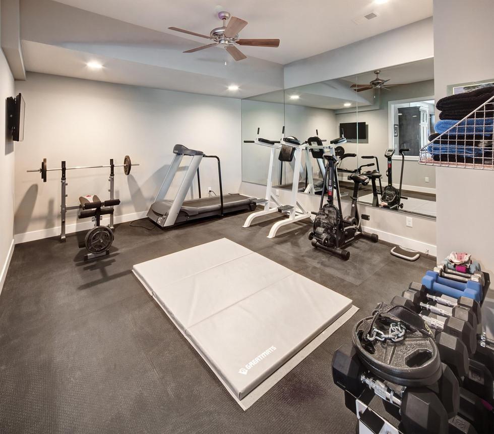 14_exercise_room.jpg
