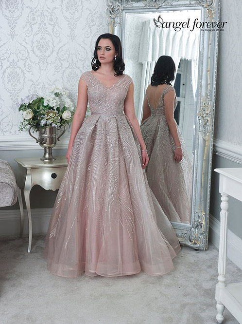 A Line With Tulle & Lace