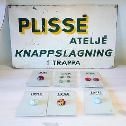 Vackraste skylten för min verksamhet #plissering #pleating #kläddaknappar #kläddaskärp #gruvgatan53