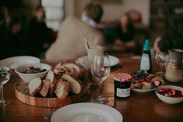 bread-food-brunch-table-3326113.jpg