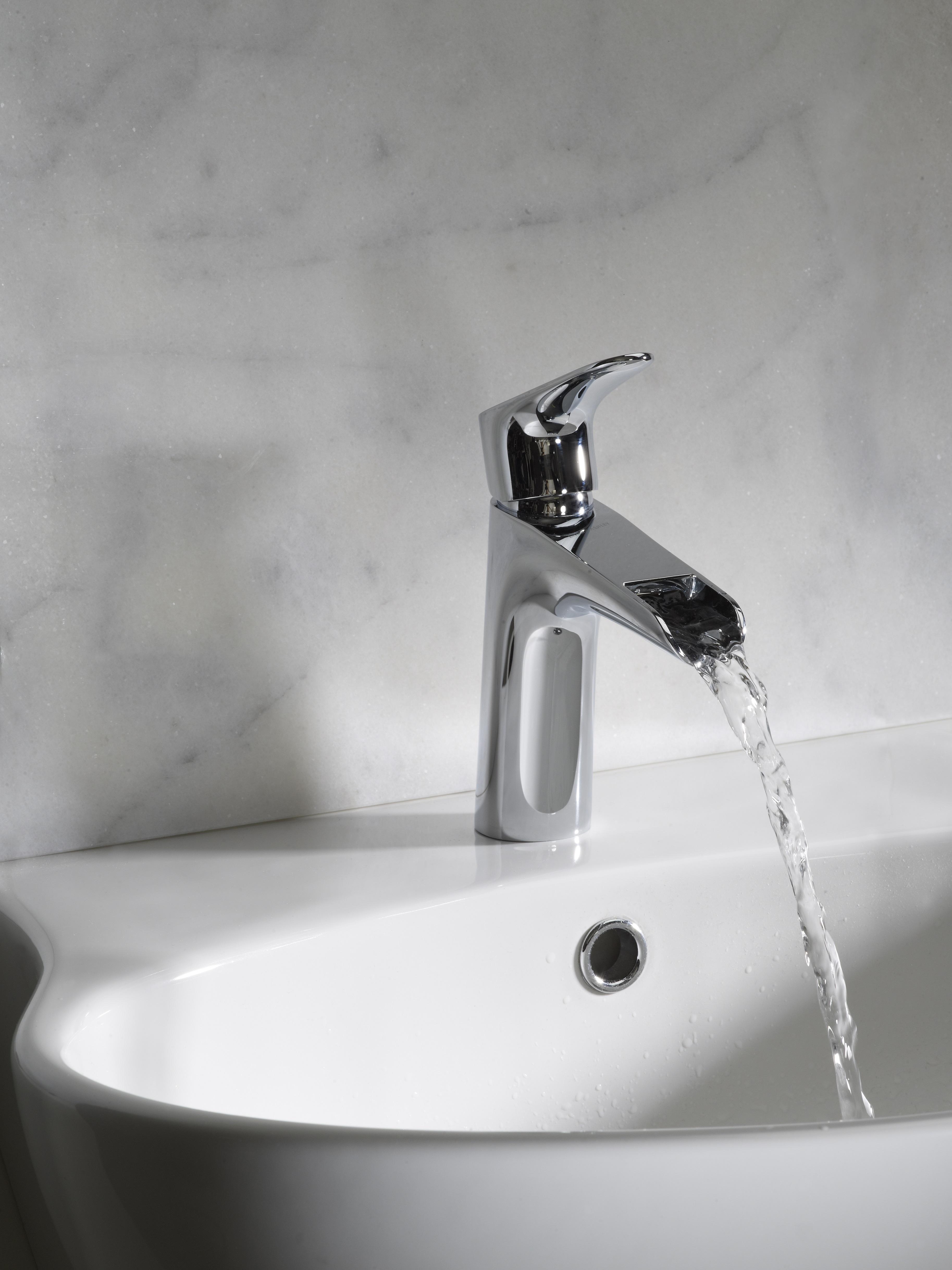 Lucca basin mixer lifestyle shot
