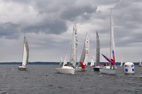 Tamalou est le bateu le plus à gauche sur la photo