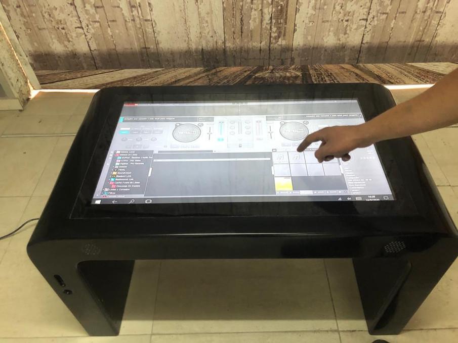 Mesa Multitouch para virtual DJ