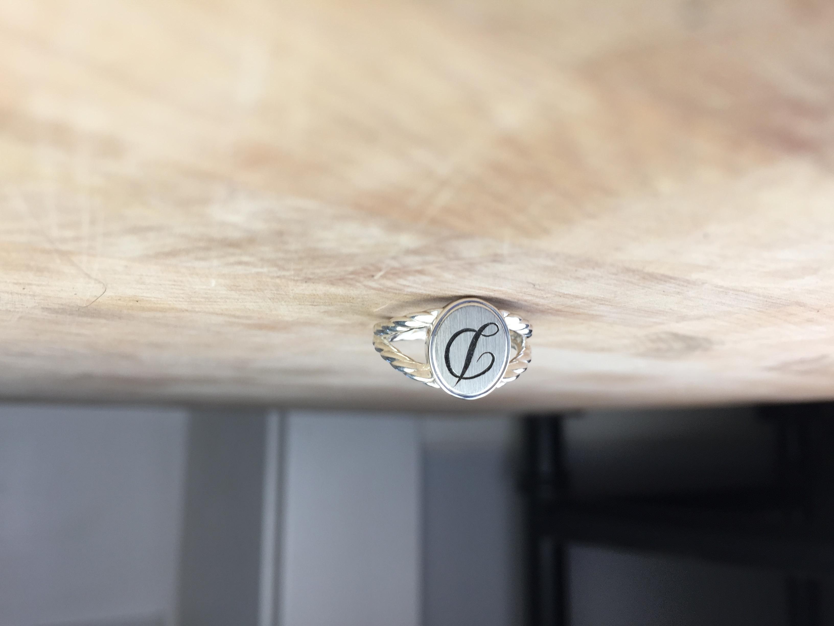 Singet ring D