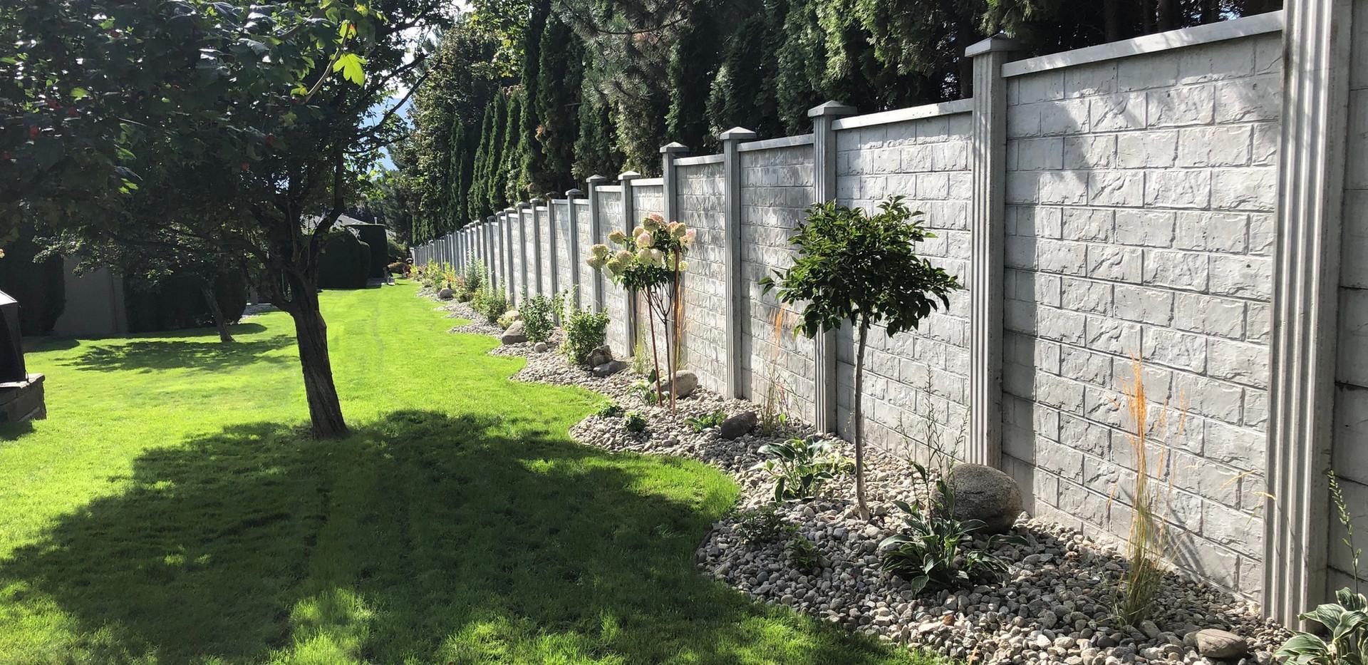 Concrete fence .jpeg