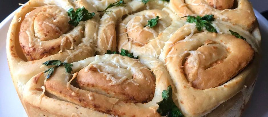 Garlic & Cheese Tear-And-Share Swirls!