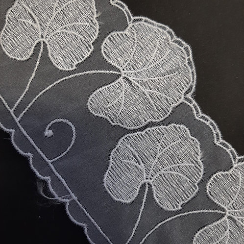 Stickereispitze Organza mit Ginkoblätter weiss 85mm