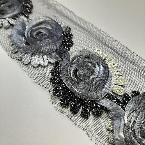Tüllband mit Blumen bestickt, 3D Effekt, grau 75mm