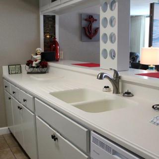 E1604 Kitchen (1).jpg