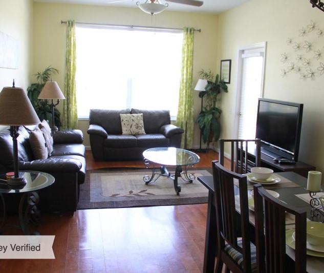 Living Room Pic.jpg