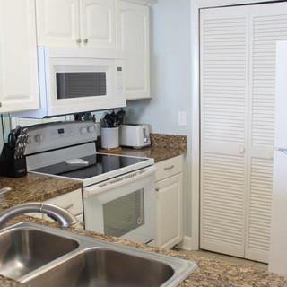E802 Kitchen (6).jpg