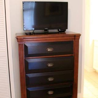E802 Guest Bedroom (12).jpg