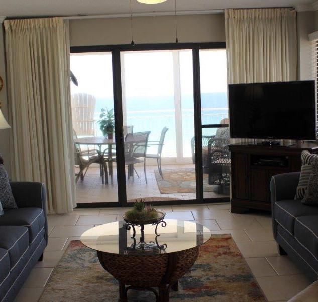 D601 Living Room (4).jpg