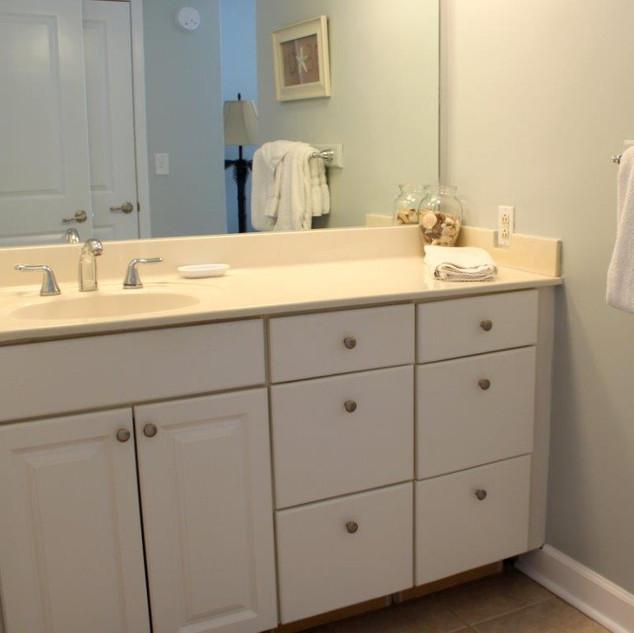 E802 Master Bathroom (7).jpg