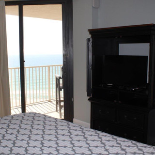 E802 Master Bedroom (8).jpg