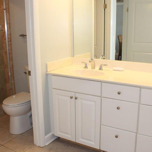 E802 Master Bathroom (9).jpg