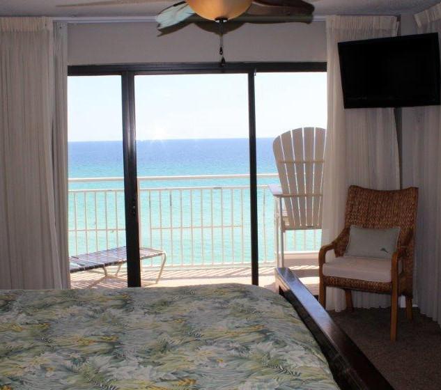 D601 Master Bedroom (1).jpg