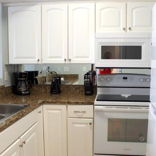 E802 Kitchen (5).jpg