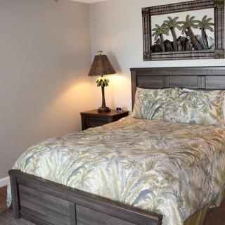 D601 Guest Bedroom 1 (2).jpg