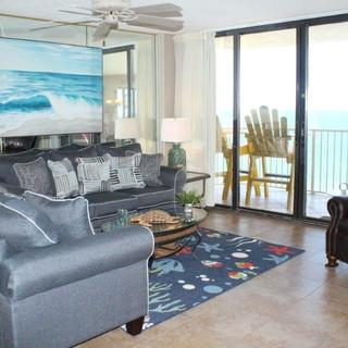 E1604 Living Room (2).jpg