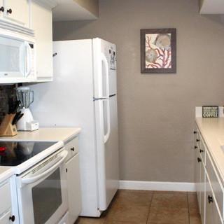 E1604 Kitchen (2).jpg