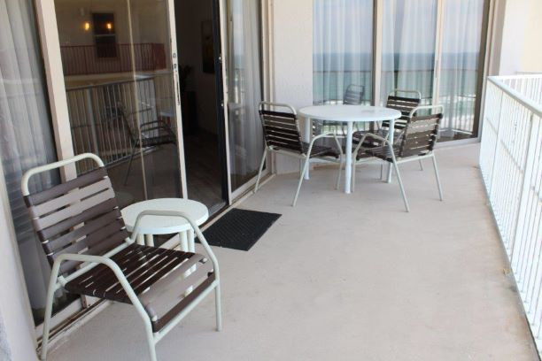 Balcony Dining Seating