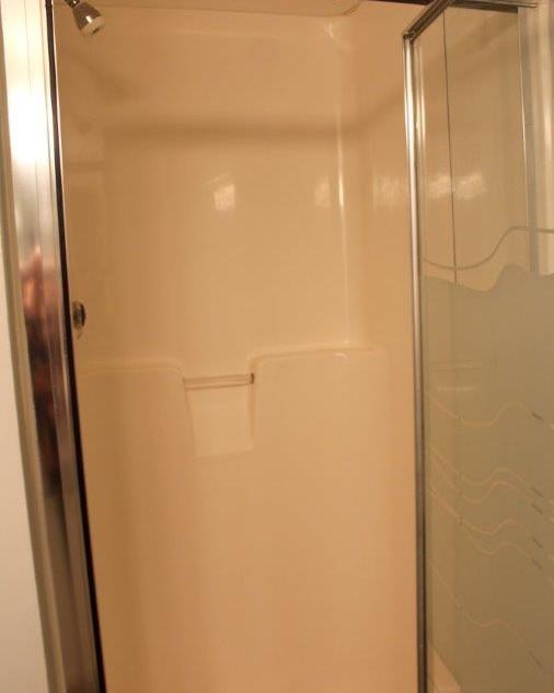 E802 Guest Bathroom (5).jpg