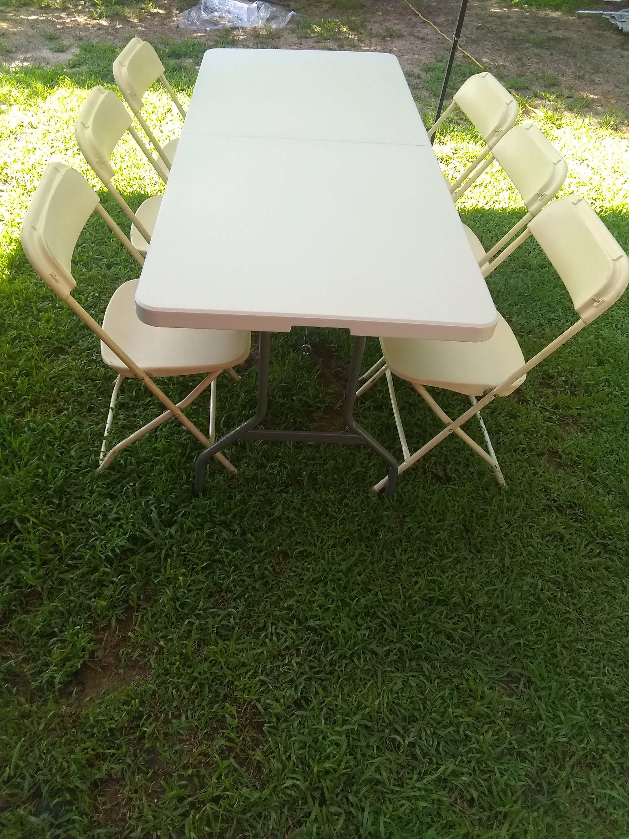 8 PERSON TABLE