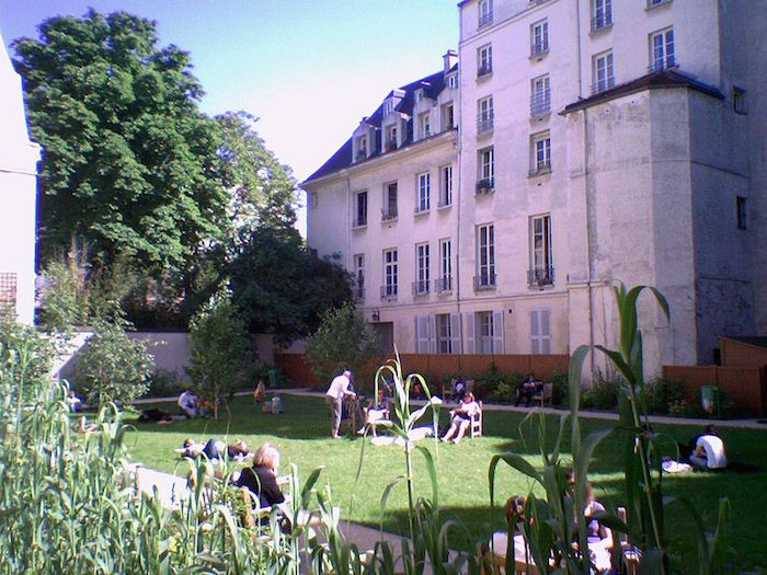 jardins-secretos-paris-jardin-francs-bourgeois-rosiers