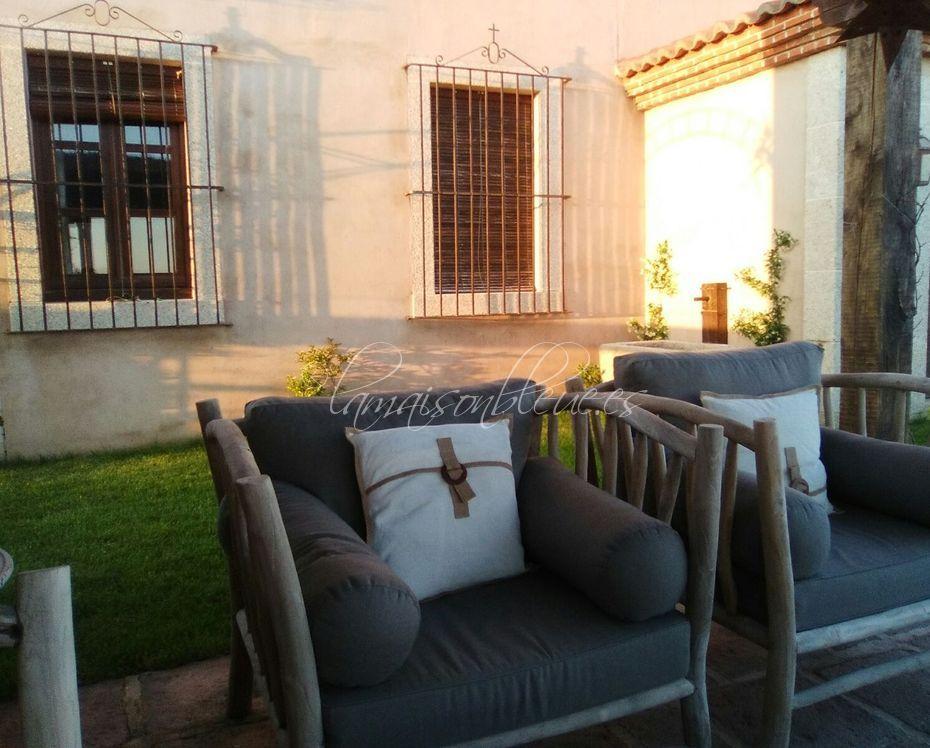 Muebles y tejidos de exterior