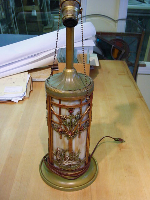 Bent glass lamp base
