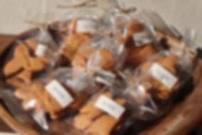 ・シンプルクッキー 小麦粉、バター、きび砂糖、卵だけで作ったシンプルなクッキーです。