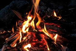 Fortellerstund rundt bålet