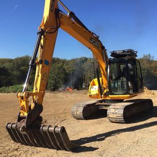 JS 130 Excavator