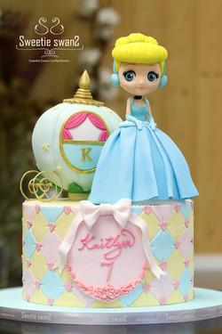 Cinderella cake for Kaitlyn-3