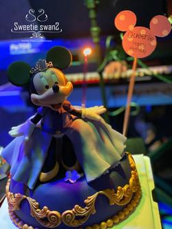Minnie Cake ..