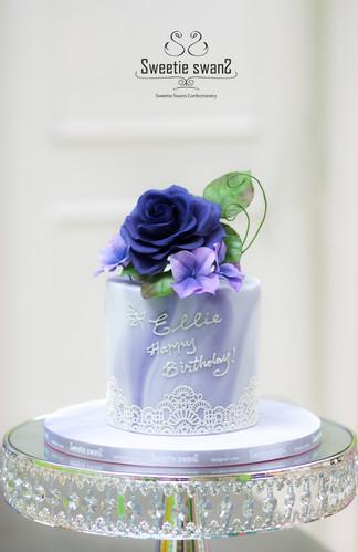 Rose cake for Ellie.JPG