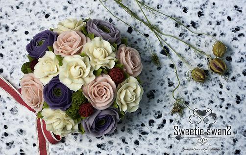 Gardenia & ranunculus.JPG