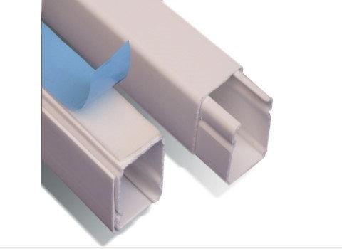 DXN10071 Canaleta plastica 20x20 Con adhesivo
